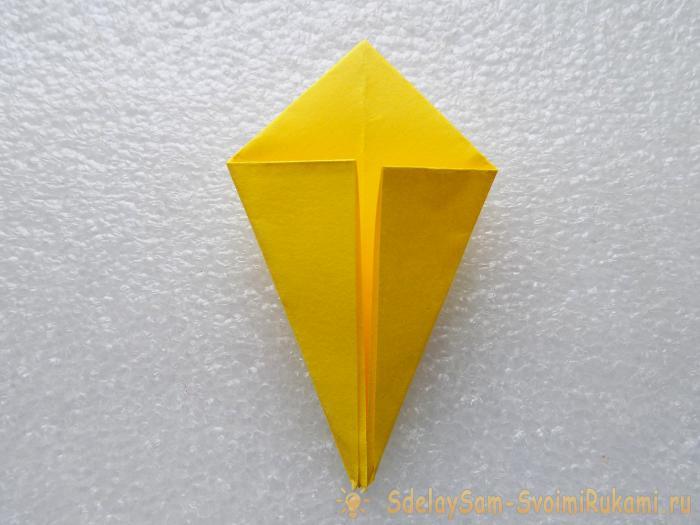 Покемон Пикачу в технике оригами