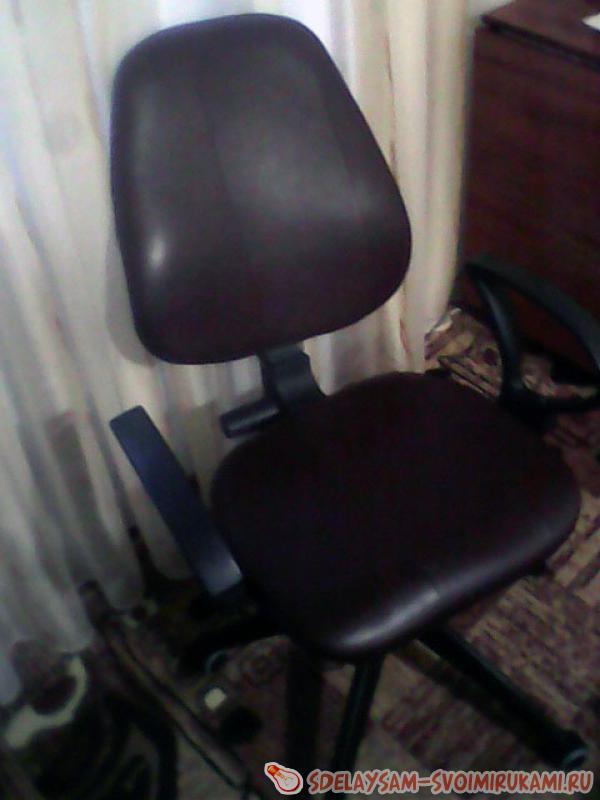 Как обтянуть компьютерное кресло  видео
