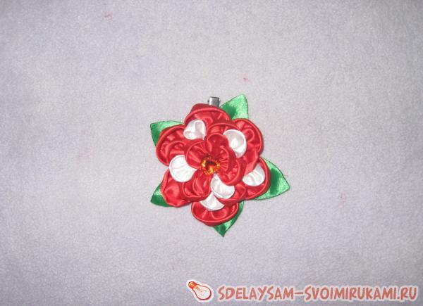 Детская повязка на голову. Цветок из атласных лент «Астра»