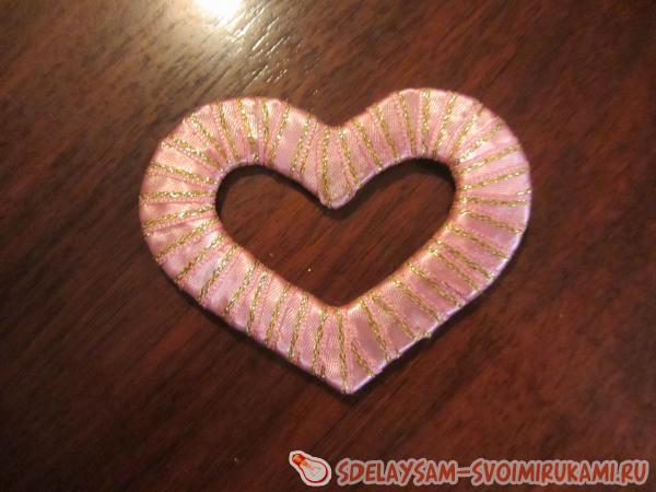 Как сделать сердечко из лент