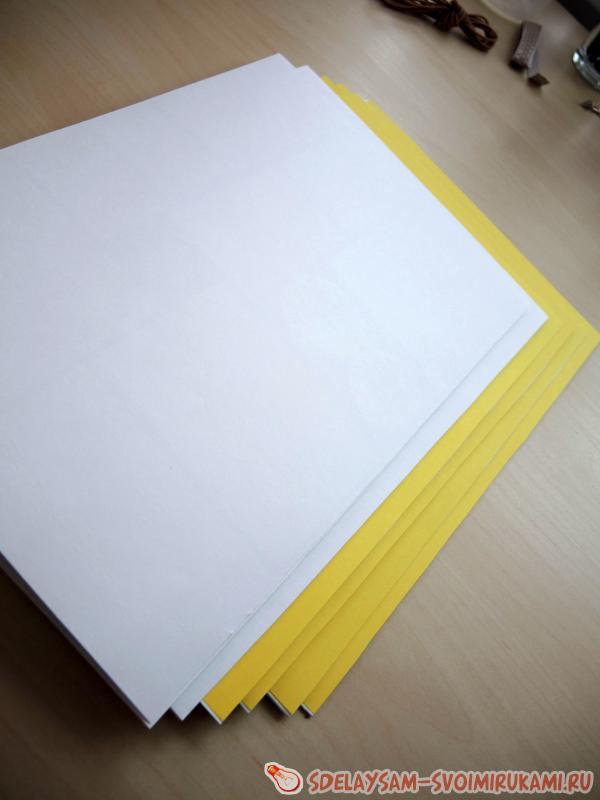 оклеиваем цветной бумагой