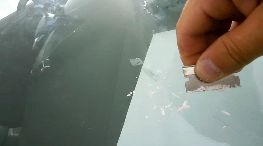 Заклейка стекла автомобиля своими руками 96