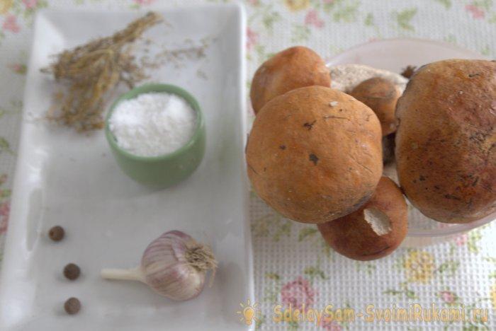 Очень простые малосольные лесные грибы