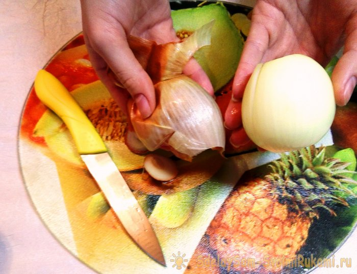 4 способа быстро почистить лук без слез