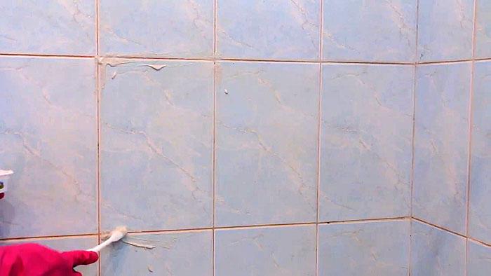 Как отбелить плиточные швы в ванной комнате