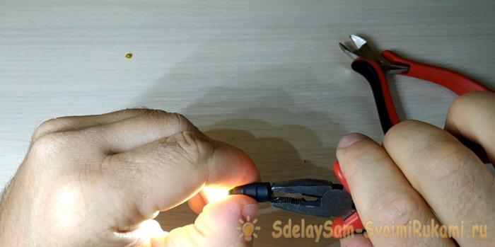 Мини фонарик брелок своими руками
