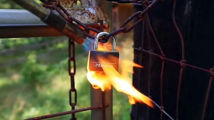6 способов избавиться от навесного замка
