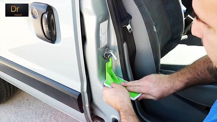 Приспособление для тех кто любит ухаживать за своим автомобилем
