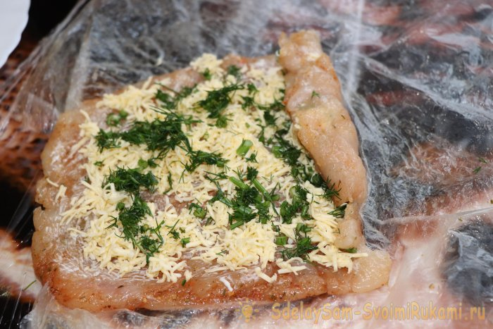 Куриный рулет с сыром на праздник