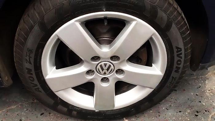 Как восстановить автомобильный диск при повреждении о бордюр
