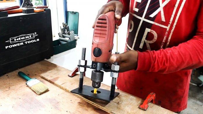 Как превратить дрель в фрезер с помощью простой оснастки