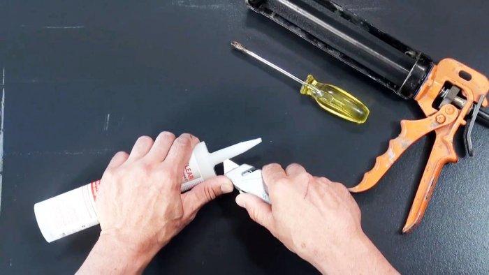 Как удалить засохшую пробку из насадки тюбика и использовать повторно насадку