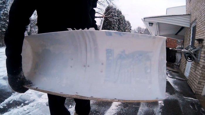 Как сделать снежную лопату из ведра от шпаклевки