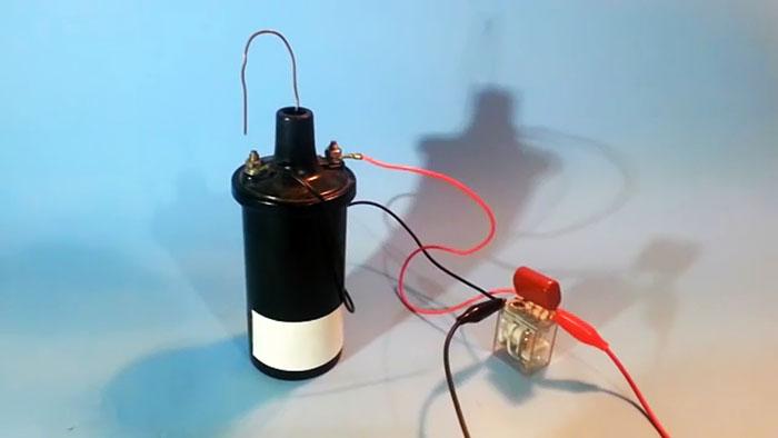 Как сделать простейший преобразователь высокого напряжения из катушки зажигания и реле