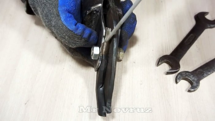 Самодельная насадка на дрель для быстрой резки металла
