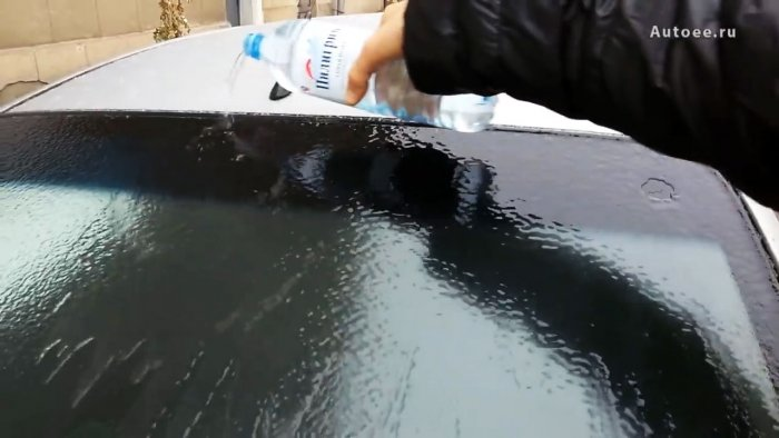 Удаление льда теплой водой