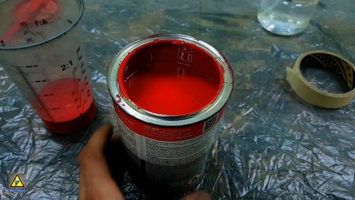 Как перелить краску из банки не испачкав ее края и ничего вокруг
