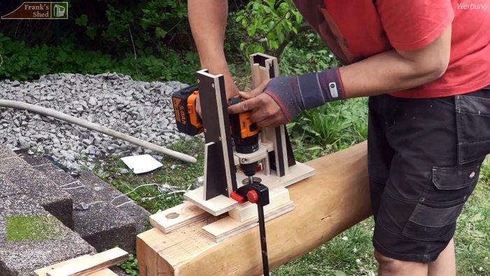 Как надежно установить столбы для террасы из кривого кругляка