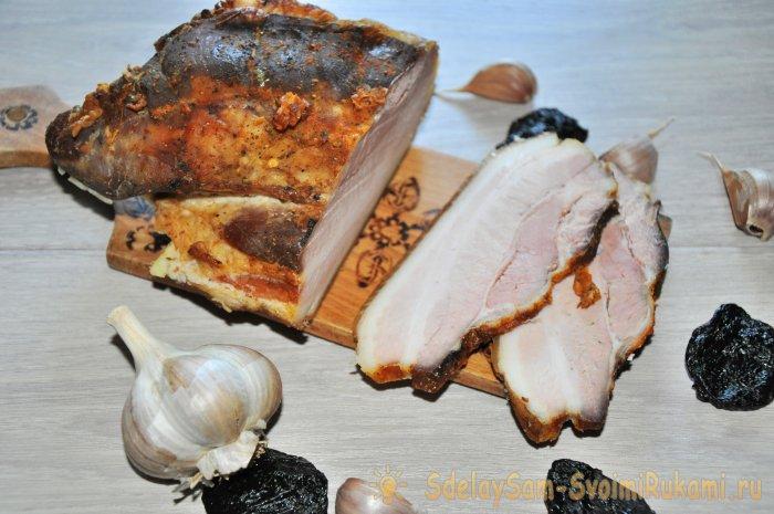 Как приготовить копченое сало без коптильни в духовке