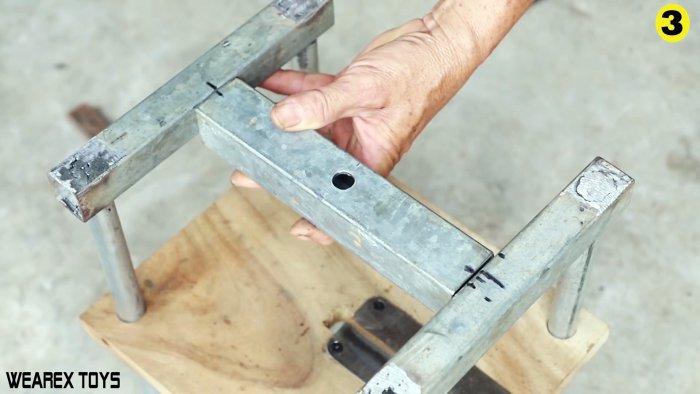 Как сделать устройство для шинковки большого количества капусты