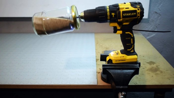 Как удалить ржавчину с мелких деталей при помощи шуруповерта без пескоструя