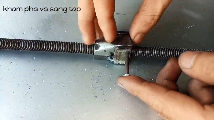 Самодельные сверхбыстрые зажимные тиски с уникальным механизмом скольжения