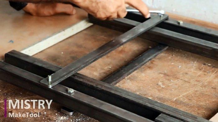 Как сделать прочный и удобный складной стул из простых материалов своими руками