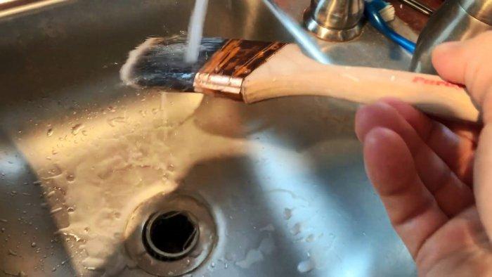Как восстановить напрочь засохшие кисти