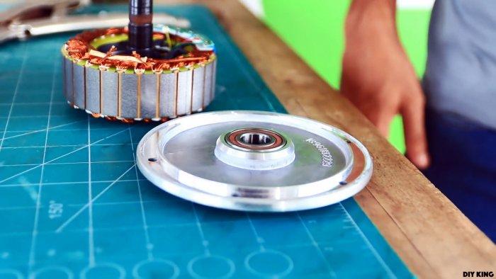 Как сделать ветрогенератор из мотор-колеса гироборда