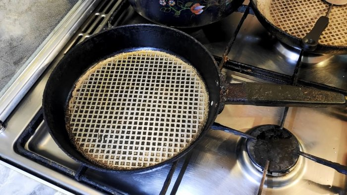 Как сделать, чтобы к алюминиевой или чугунной сковородке ничего не прилипало. Способ из советского журнала