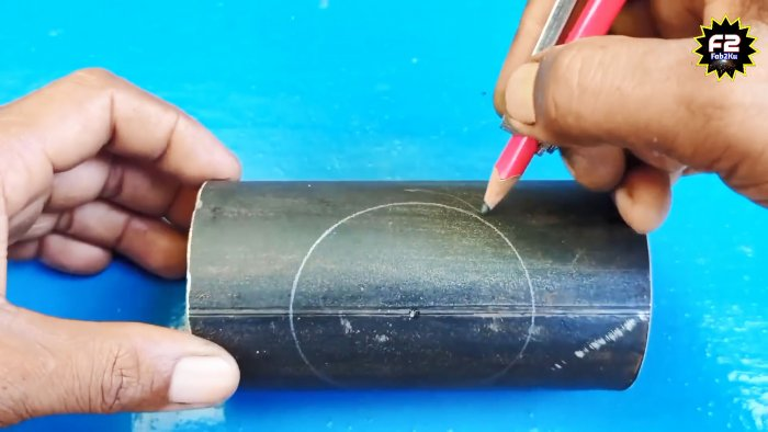 Врезка трубы в трубу: как правильно разметить и вырезать зону стыковки без спец. инструмента