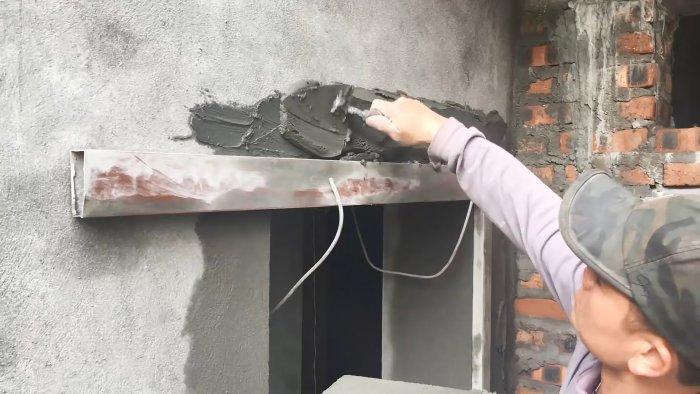 Как оформить оконные или дверные проемы цементной штукатуркой