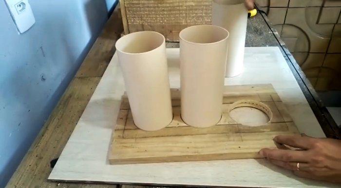 Как сделать простую форму для отливки цементных блоков из досок и трубы ПВХ